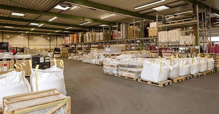 Hallenansicht der RAVEN Logistic